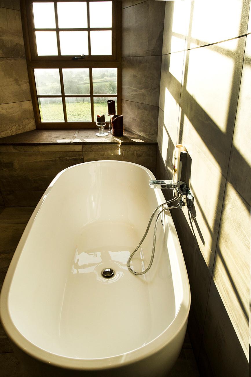 Sunshine on free standing bath