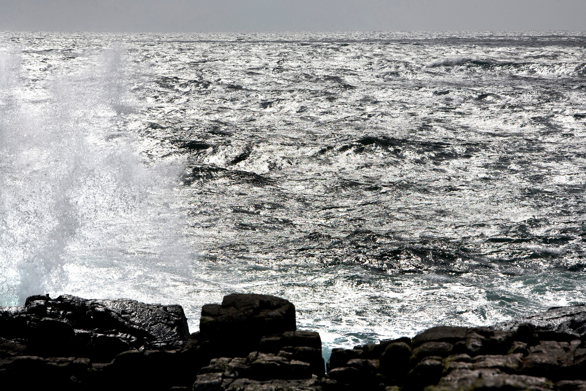 Waves crashing, Neist Point