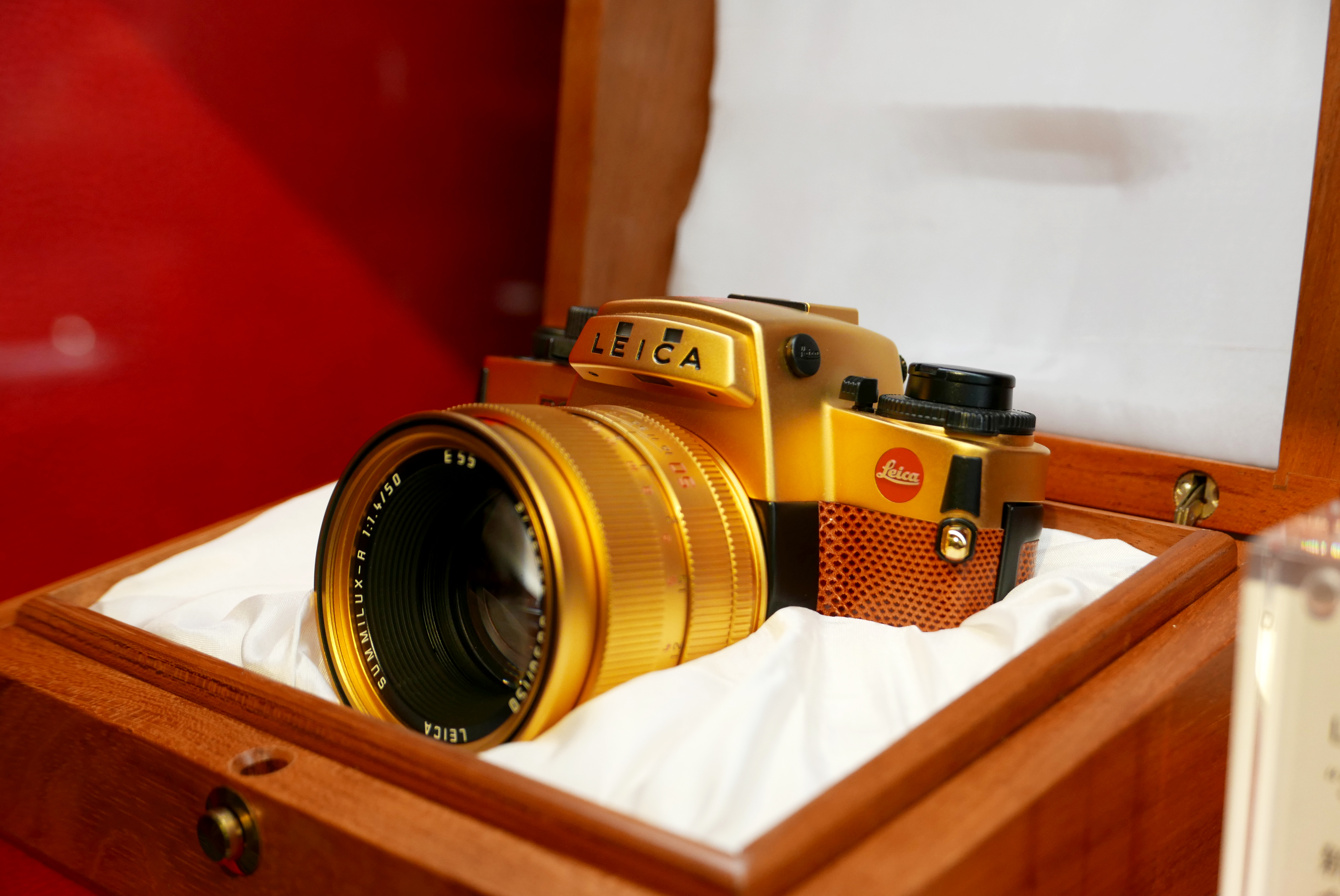 LEICA R6.2 〝30 Years of Singapore〞