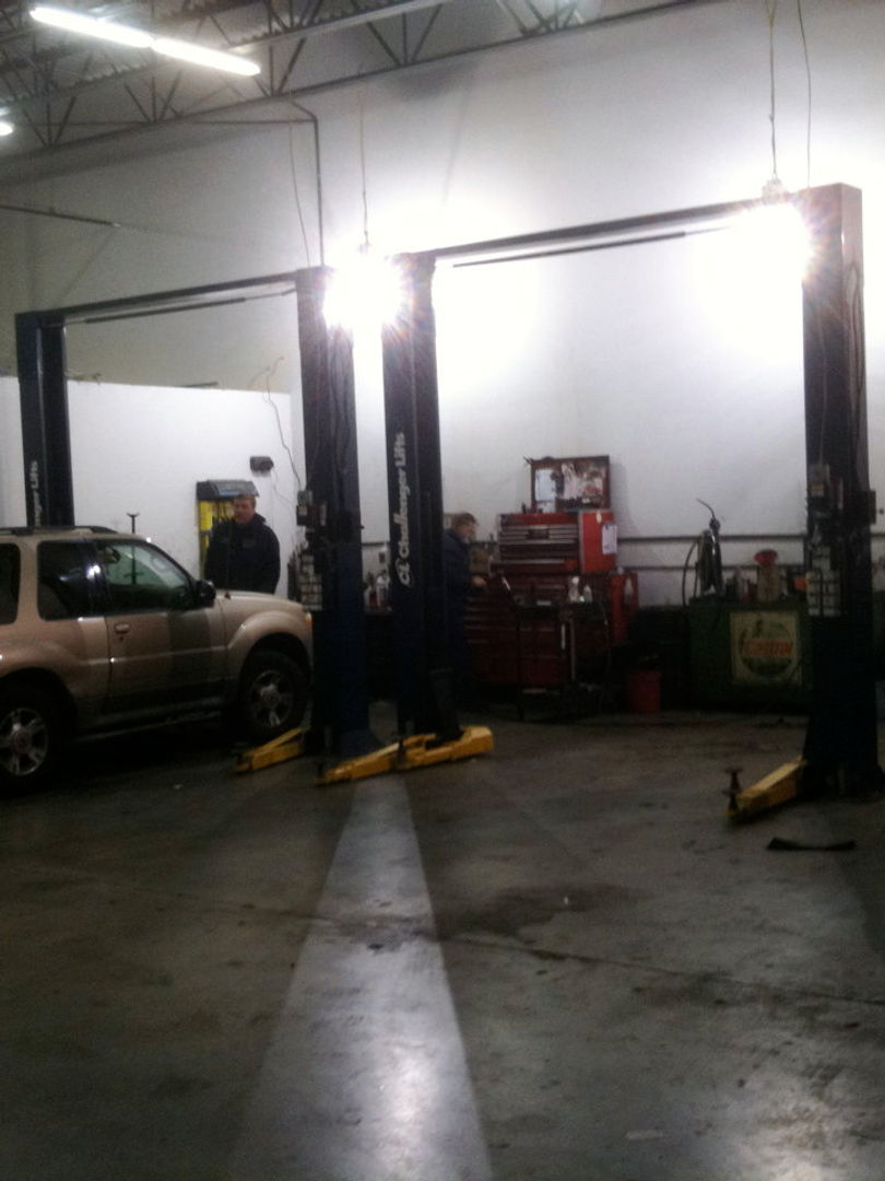 car-lifts-clean-auto-shop.jpg