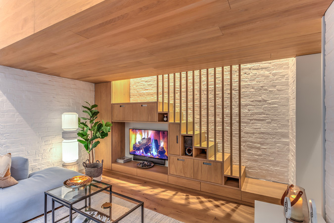 96GR-Fireplace-View.jpg