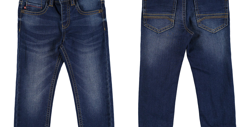 Soft, dark denim 5 pocket jean