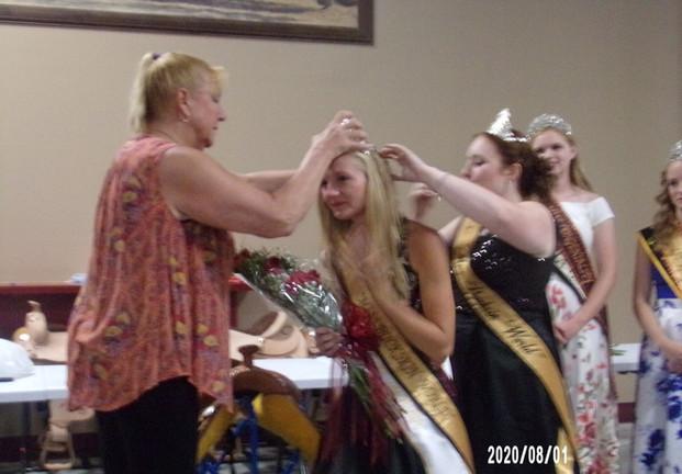 Denise Kurtz & Victoria Devore crown the new queen