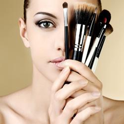 52fa4f218c619-fixateur-maquillage