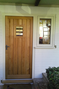 European-Oak-Front-Door.png