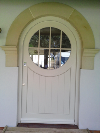 Accoya-Door-Circular-Window.png
