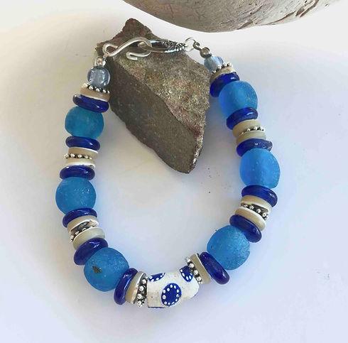 Bracelet bleu.jpg