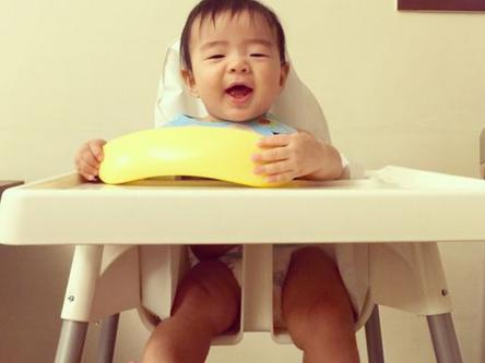 育兒好物+餐椅進化史(Nomi成長型餐椅, ikea, 費雪)