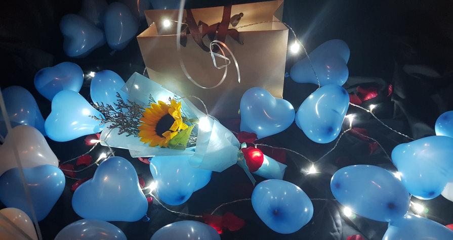 Balloons & Flower.jpg