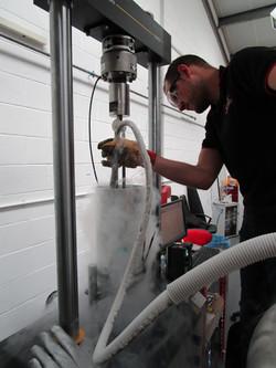 Fatigue testing in liquid nitrogen