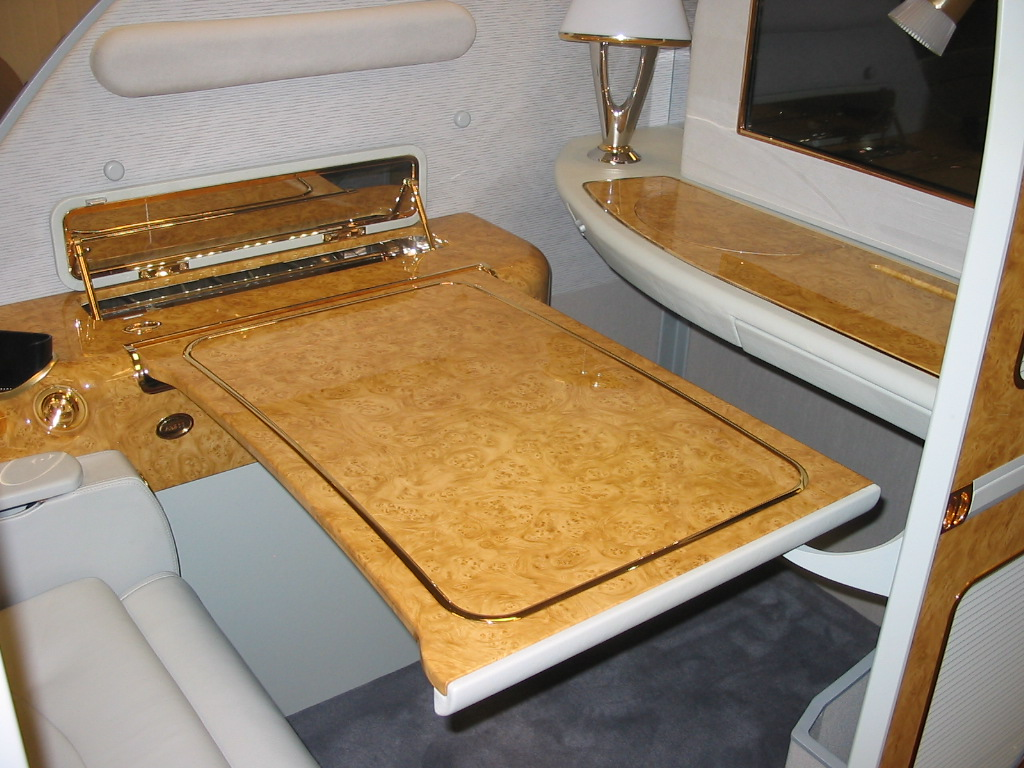 Business Class Aircraft Table