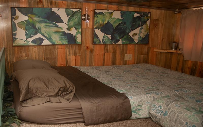 Upstairs loft with full size mattress