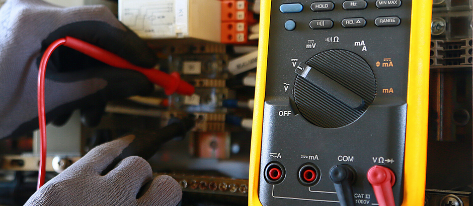 5 signs your office needs electrical maintenance