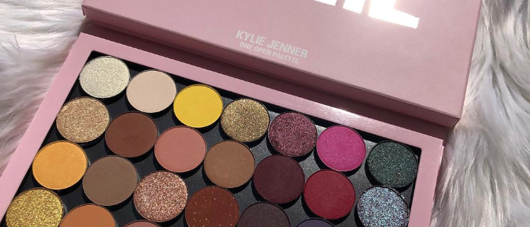 Kylie Palette with 28 Eyeshadows Bundle