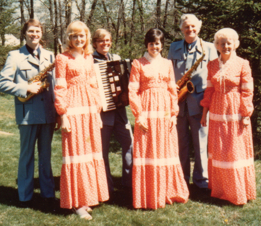 The Carlsons in 1976 (from left): Randy & Donna, Larry & Cheri, Morry & Dorothy