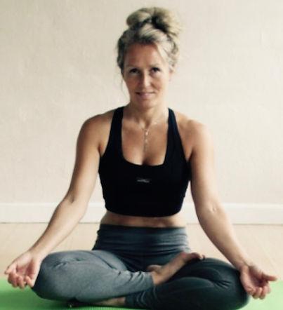 Yoga i Ry og omegn - YogaHelle.dk
