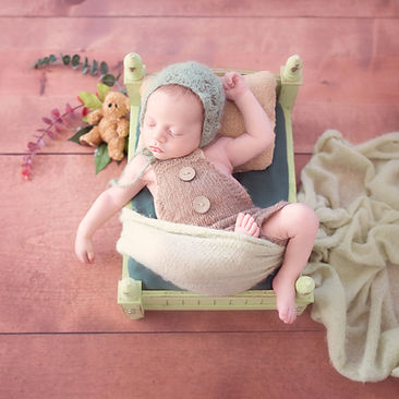 Baby in Bett gisellesphotography.jpg