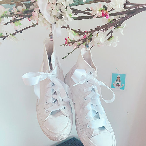 Satin Laces white