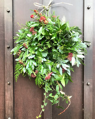 Wreath19 with ivy and roses.jpg