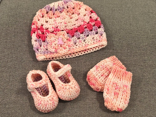 Baby Hat, Mittens & Shoes Peachy