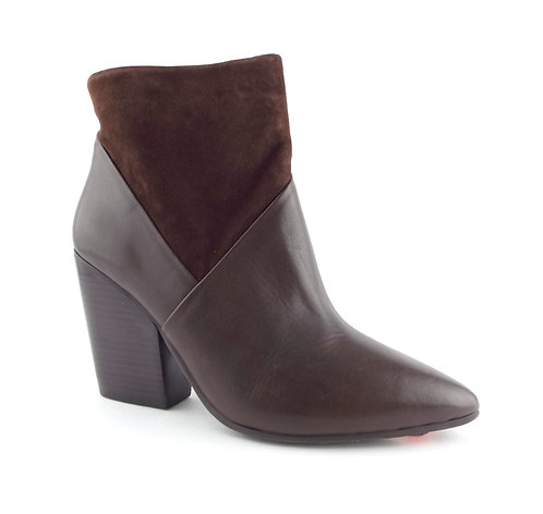 VINCE CAMUTO Brown Leather Ankle Raylan Boots 9