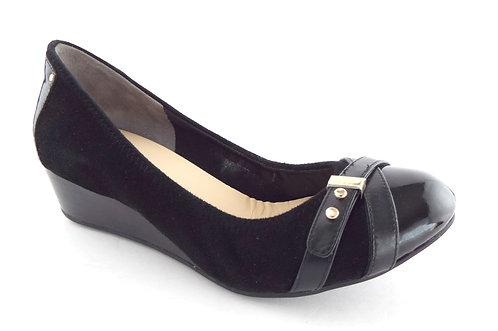 COLE HAAN Black Cap Ballet Toe Wedge Heels 6 C