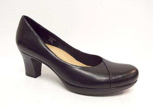 EARTH TAMARACK Black Leather Round Toe Pump 8.5