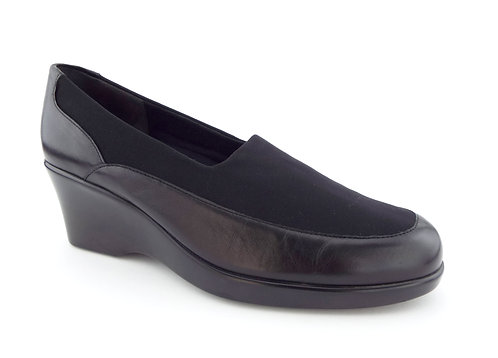 MUNRO Black Walking Slip On Wedges 8 C Wide