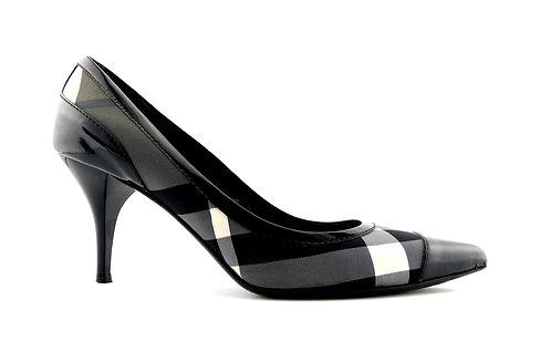 BURBERRY 41 Eur Signature Plaid Cap Toe Heels Pumps Shoes