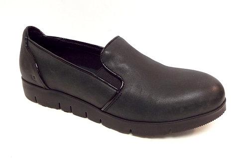 TSUBO EBONEE Black Leather Loafers 10