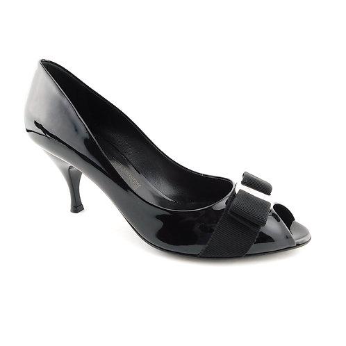 FERRAGAMO Size 7 RIBES Black Vara Bow Heels Pumps Shoes