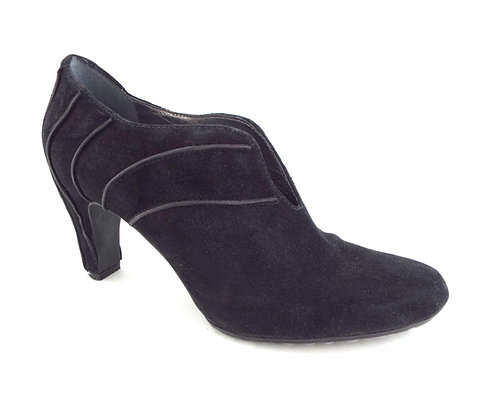 TSUBO Black Suede Ankle Bootie Pump 8