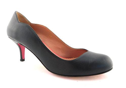 RED Valentino Black Scalloped Heart Heels Pumps 38