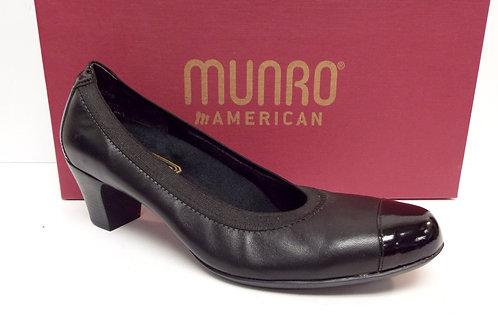 MUNRO Black Leather Cap Toe Pump 8.5