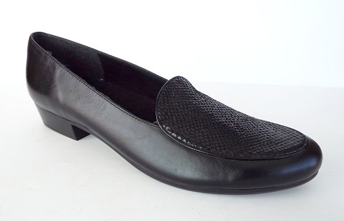 MUNRO Black Leather Loafers Flats 11.5