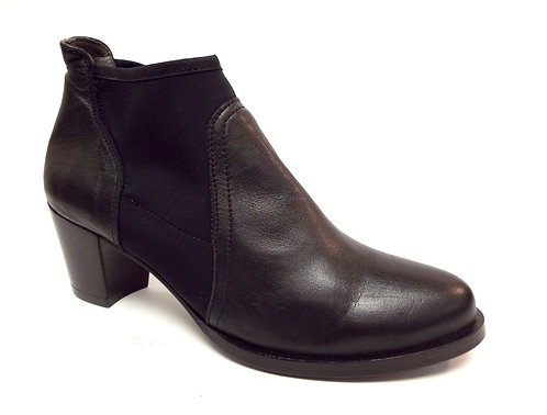 KANNA Black Leather Stretch Ankle Booties Boots 37 / 7