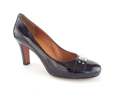 MARC JACOBS Black Patent Round Toe Pump 39/8.5