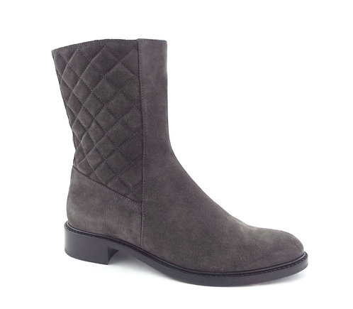 AQUATALIA Gray Quilted Suede Leather Boots 8.5