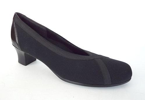 MUNRO Black Textile Round Toe Pump 9