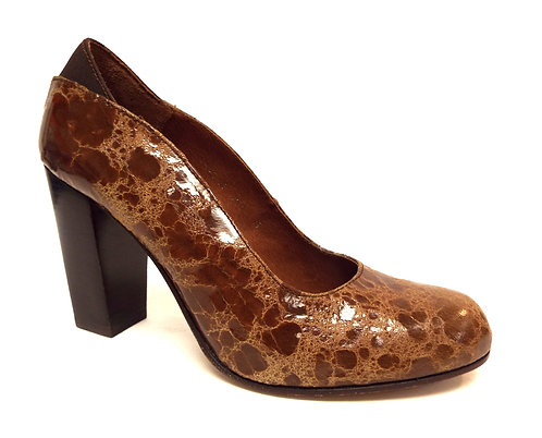 DONALD PLINER Brown Distressed Round Toe Pumps