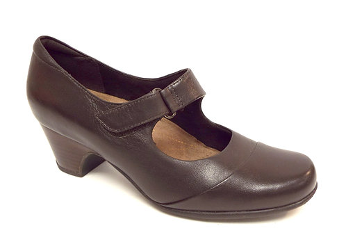 CLARKS Artisan Brown Leather Mary Jane Pump 7