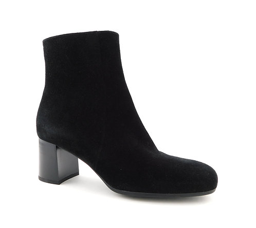 LA CANADIENNE Black Suede Block Heel Booties 8.5