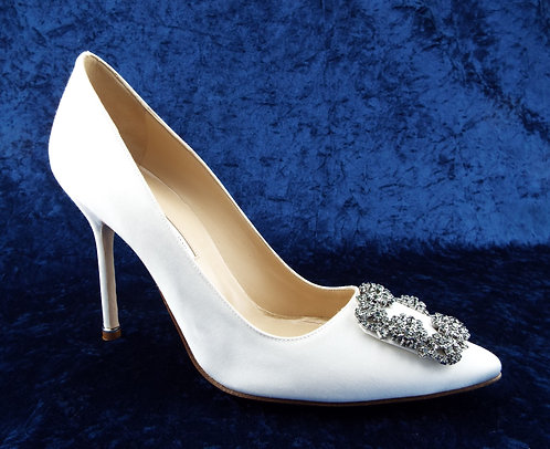 MANOLO BLAHNIK Crystal Embellished Pumps 40