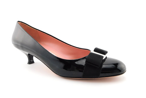 FERRAGAMO Black Patent Vara Bow Mid Heels Pumps Shoes