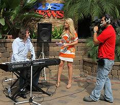 Chris Carpenter performing music on KUSI TV Chanel 9 San Diego