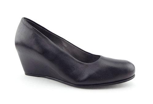 STUART WEITZMAN Black Leather Wedge Heels 6.5