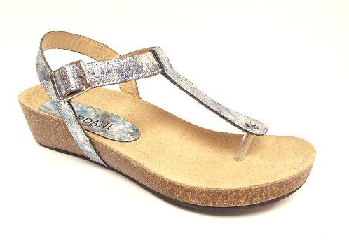 CORDANI GENE Silver Metallic Thong Sandal 37 / 7