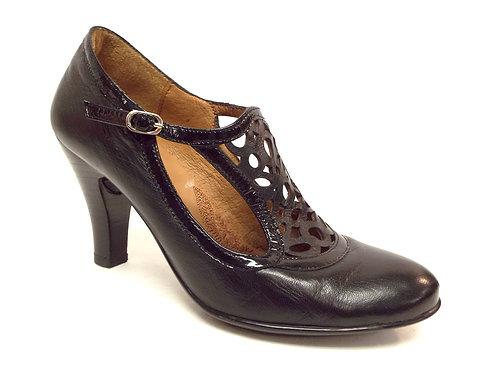 SOFFT Black T-Strap Mantle Leather Pump 7