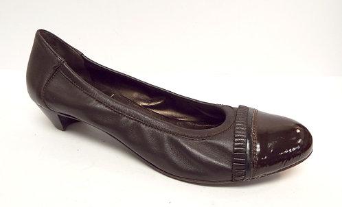 AGL Brown Leather Cap Toe Pump 41