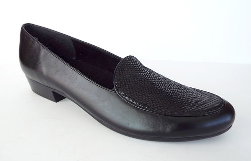 MUNRO MALLORY Black Leather Loafer Flat 11.5
